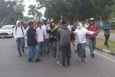 Di Pekanbaru, Mahasiswa Larang Siswa SMA dan SMK Ikut Demo
