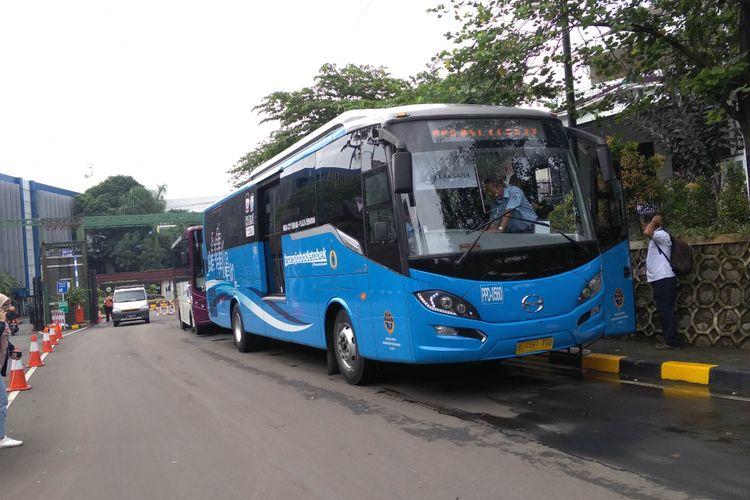 Transjabodetabek Premium disediakan untuk mengakomodasi dampak ganjil genap di pintu tol Bekasi Barat dan Timur, Kamis (8/3/2018)