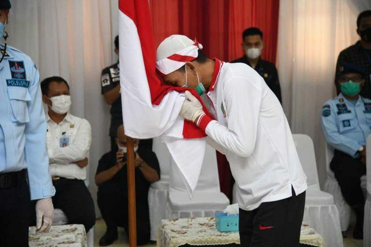 Sebanyak 34 narapidana terorisme bertekad kembali ke Negara Kesatuan Republik Indonesia (NKRI) setelah pengucapan ikrar setia kepada Pancasila di Lembaga Pemasyarakatan (Lapas) Gunung Sindur, Kabupaten Bogor, Jawa Barat, Kamis (15/4/2021).