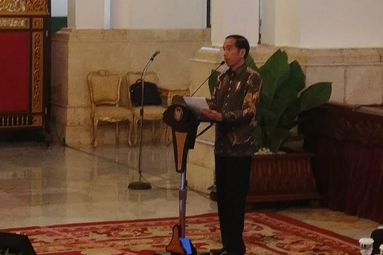 Presiden Jokowi saat pertemuan dengan para pimpinan Bank Umum di Indonesia, di Istana Negara, Jakarta, Kamis (15/3/2018).