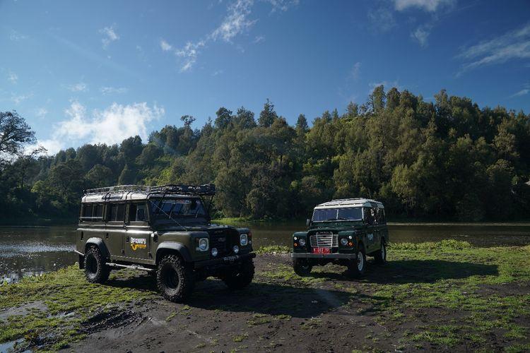 Naik Jeep menuju Desa Wisata Ranupani.