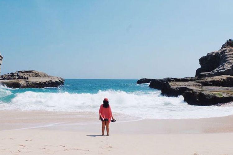 Pantai Klayar di Desa Sendang, Kecamatan Donorojo, Pacitan.