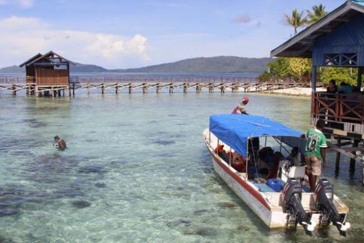Dermaga di Pulau Arborek, Kabupaten Raja Ampat, Papua Barat, Kamis (5/5/2016).
