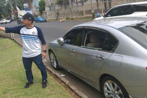 Kaca Mobil Rico Ceper Dipecah Maling Saat Ditinggal Shalat Jumat