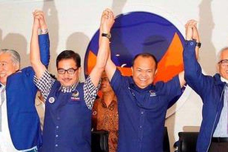 Dari kiri ke kanan: Anggota Komisi I DPR RI dari Fraksi Partai Golkar Enggartiasto Lukita, Ketua Badan Pemenangan Pemilu Partai Nasdem Ferry Mursyidan Baldan, Ketua Umum Partai Nasdem Patrice Rio Capella dan Pengacara OC Kaligis menggelar konferensi pers di DPP Partai Nasdem, Gondangdia, Jakarta Pusat, Kamis (24/1/2013). Dalam konferensi pers tersebut Enggartiasto Lukita menyatakan telah mengundurkan diri dari kepengurusan Partai Golkar dan melepaskan jabatannya di Komisi I DPR RI untuk bergabung dengan Partai Nasdem. Begitu pula, OC Kaligis juga menyatakan bergabung dengan partai tersebut.