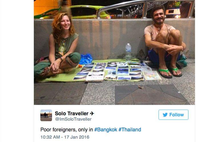 Orang-orang kulit putih ini rela mengemis di negara miskin untuk membiayai wisata mereka keliling dunia.