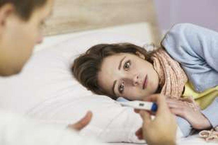 Gambar Orang Sakit Demam Di Rumah