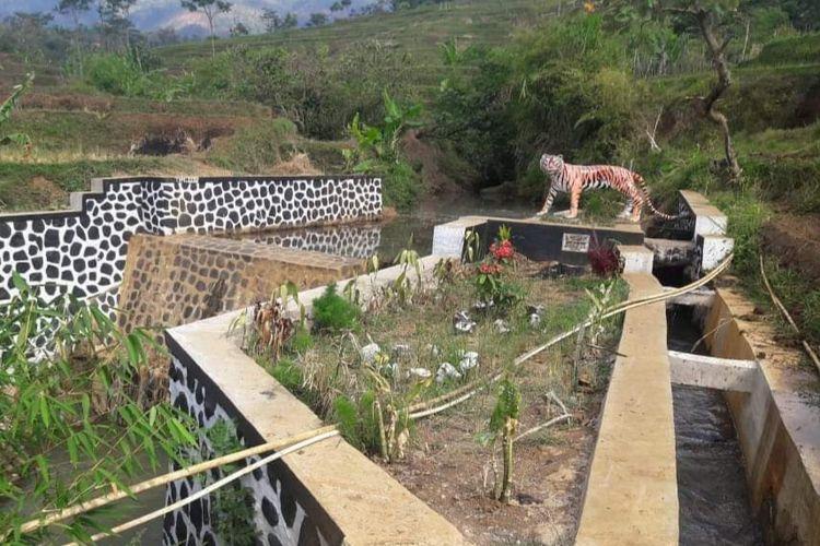 Ilustrasi pembangunan dam parit