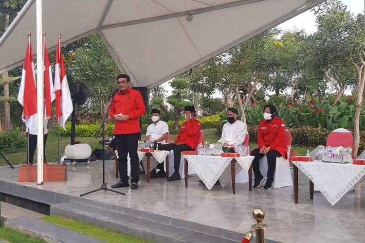 Ketua DPP PDI-P Djarot Saiful Hidayat di taman Harmoni Surabaya