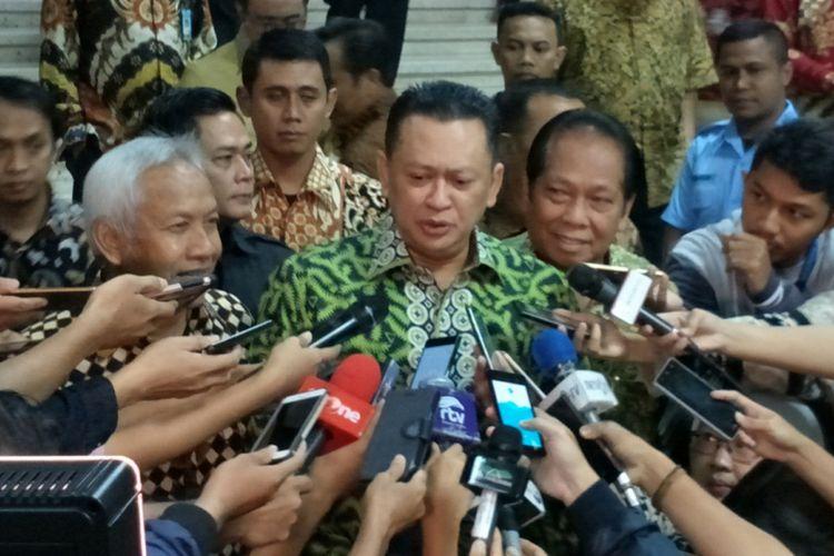 Ketua DPR RI Bambang Soesatyo di Kompleks Parlemen, Senayan, Jakarta, Jumat (19/1/2018).