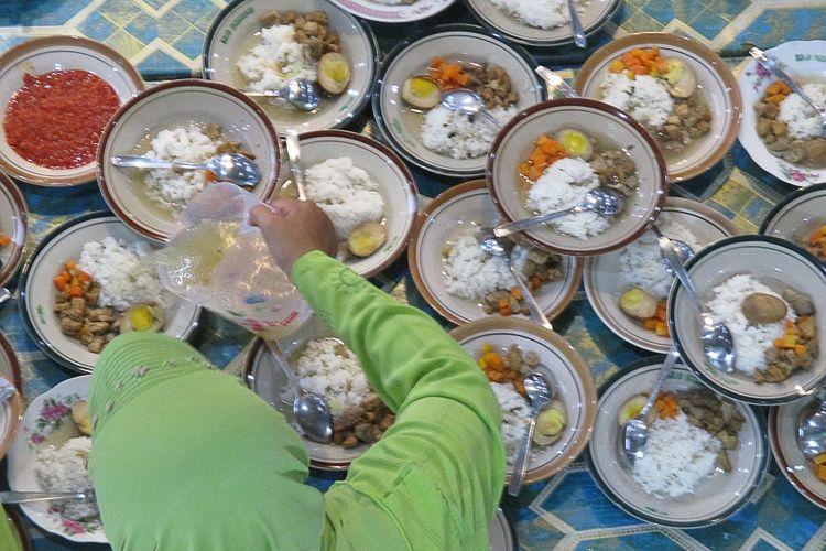 Hidangan Menu Buka Puasa disajikan di Masjid Jogokariyan
