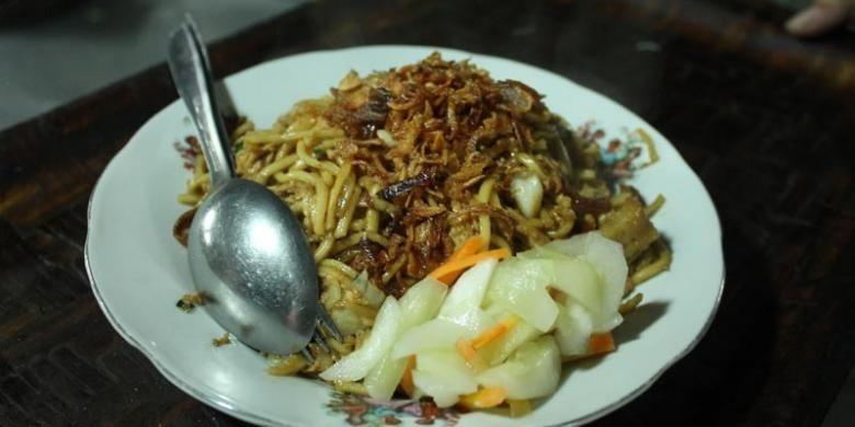 Bakmi Goreng Jawa, rasanya tidak terlalu manis dengan tekstur mi yang lembut.(KOMPAS.COM/FIRA ABDURACHMAN)