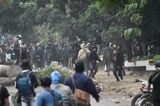 Sejumlah Fasilitas Umum dan 2 Mobil Dirusak Saat Demo di Bandung