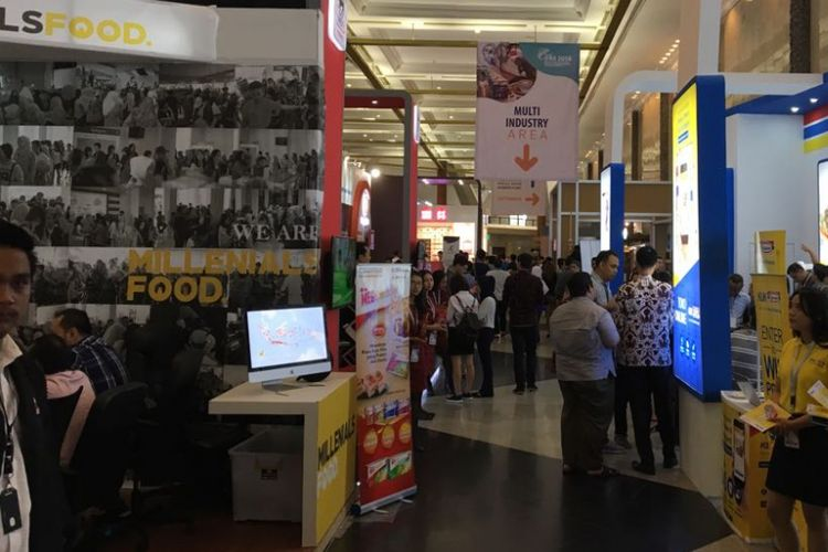 Suasana International Franchise, License, and Business Concept Expo and Conference (IFRA) 2018 di Jakarta Convention Center, Jumat (20/7/2018). Dalam pameran ini, turut hadir pelaku usaha waralaba dari berbagai jenis usaha di Indonesia.