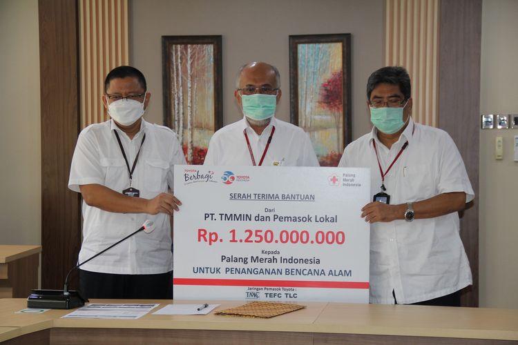 Donasi oleh TMMIN kepada PMI, Rabu (3/3/2021)
