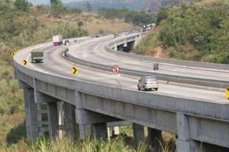 Rawan Kecelakaan Di Tol Cipularang Akibat Angker Atau Hal Lain Halaman All Kompas Com