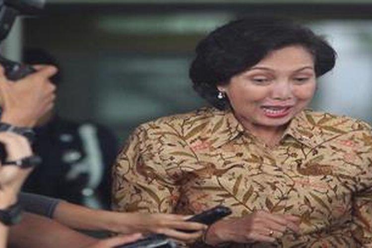 Komisi Pemberantasan Korupsi (KPK), Jakarta, Rabu  (10/4/2013), memeriksa Ketua Komite Olahraga Indonesia (KOI) Rita Subowo. Rita di periksa  sebagai saksi,  terkait kasus dugaan korupsi saat pelaksanaan PON Riau ke-18.