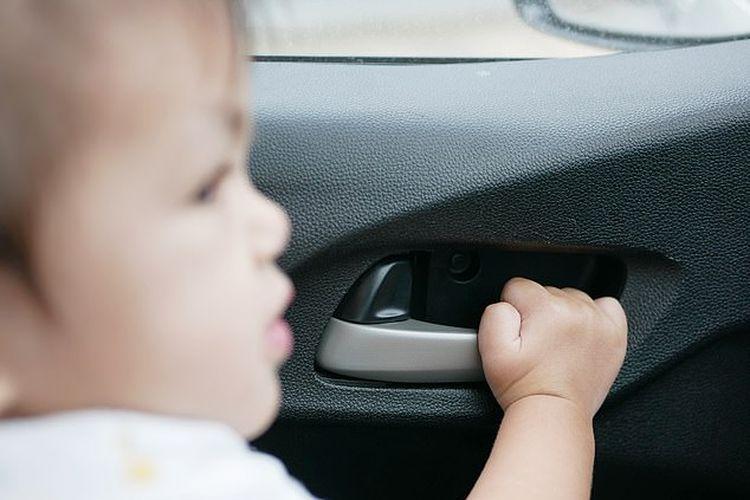 Ilustrasi anak terkunci di dalam mobil