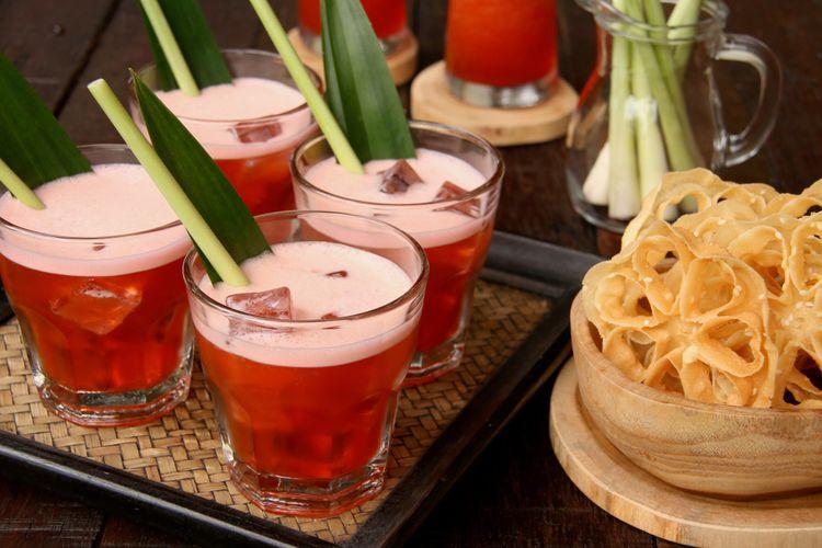 Ilustrasi bir pletok, wine tanpa alkohol khas Betawi.