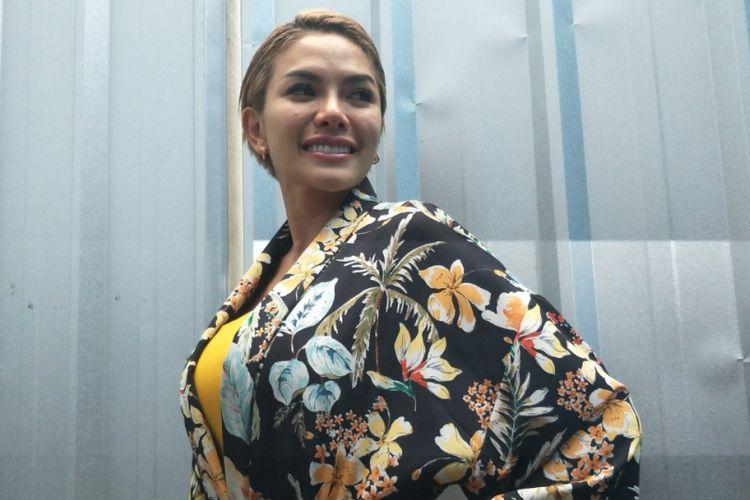 Nikita Mirzani ditemui di Studio TransTV, Mampang, Jakarta Selatan, Selasa (27/3/2018),