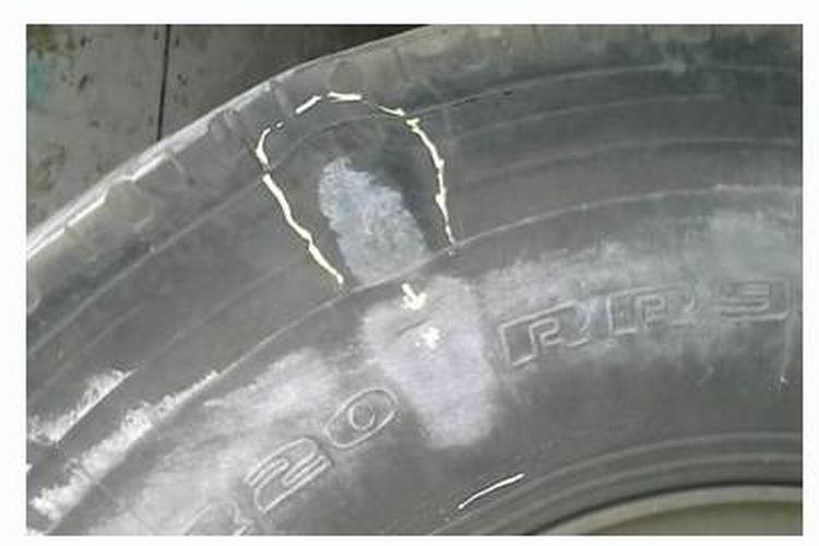 Kerusakan ban truk pencil bulge