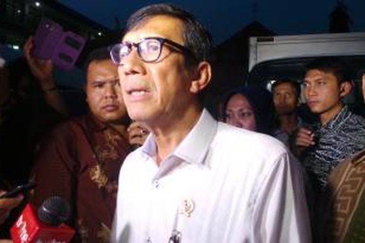 Menteri Hukum dan HAM Yasonna Laoly di Rutan Pondok Bambu, Duren Sawit, Jakarta Timur. Jumat (14/11/2014).