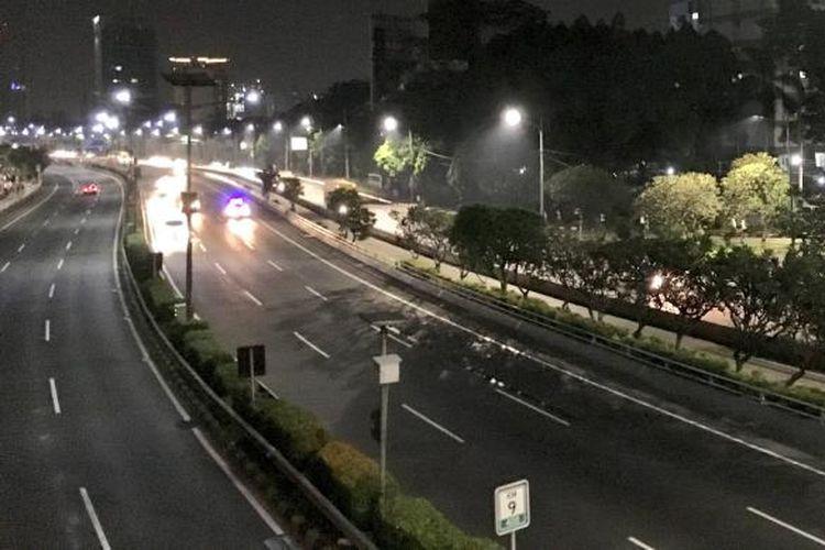 Suasana jalan tol Semanggi.
