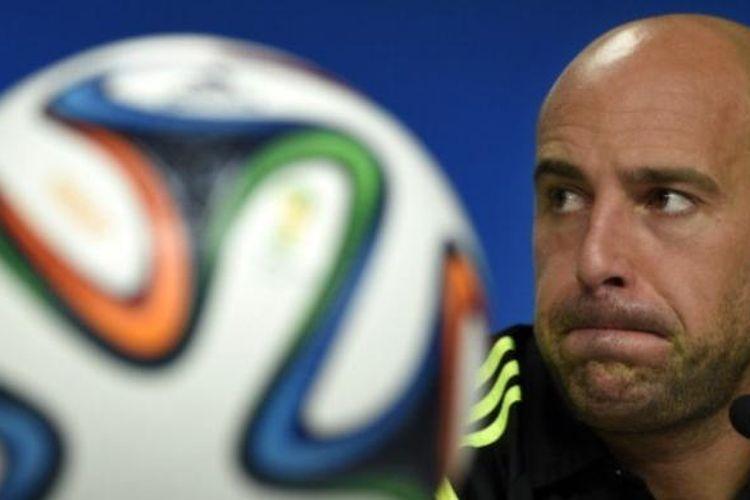 Kiper tim nasional Spanyol, Pepe Reina.