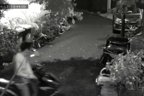 Penjaga Sedang Shalat Tarawih, Motor Milik Penghuni Rumah Kos di Setiabudi Digasak Maling
