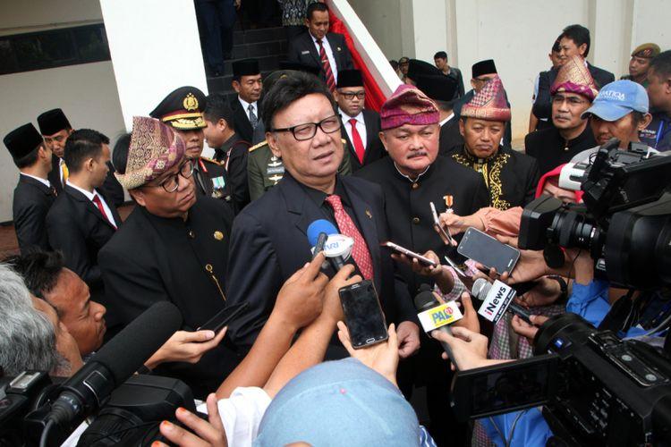 Mendagri Tjahjo Kumolo usai menghadiri hari jadi Provinsi Sumsel ke 72 tahun di Palembang
