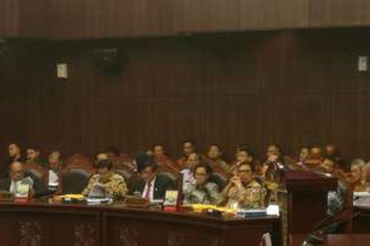 Menteri Keuangan Sri Mulyani di Ruang Sidang Mahkamah Konstitusi (MK), Jakarta, Selasa (20/9/2016)