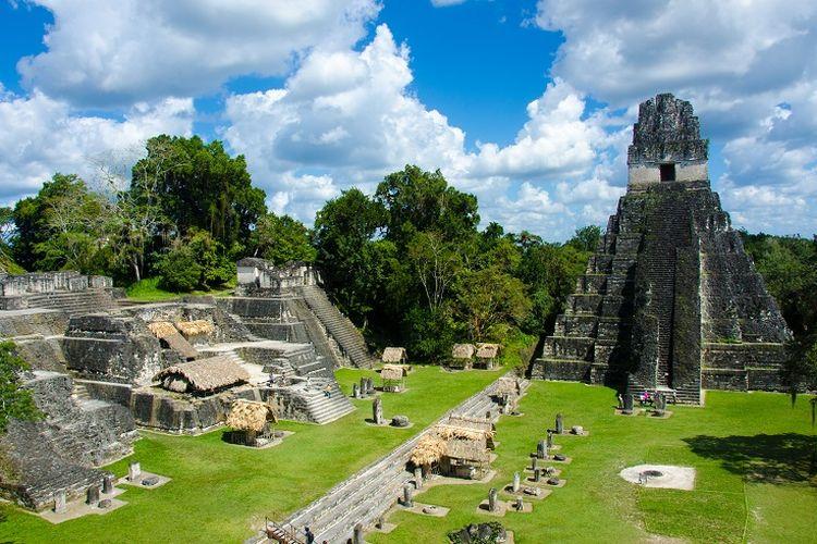Ilustrasi Guatemala - Tempat wisata bernama Taman Nasional Tikal di Guatemala.