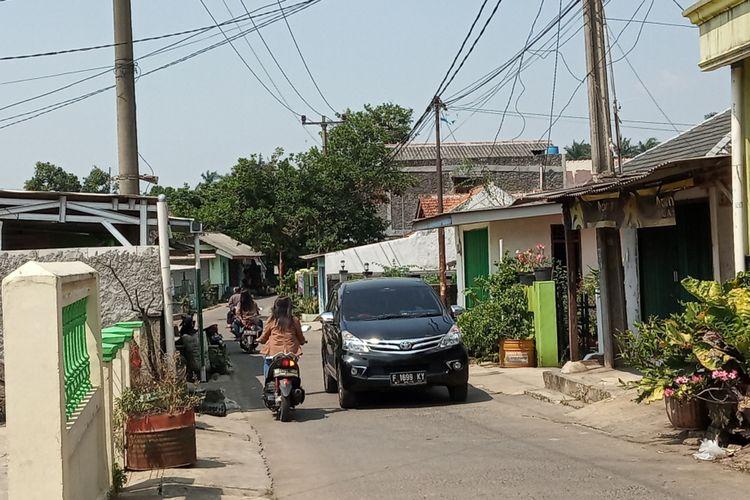 Lokasi bekas domisili tersangka kepemilikan senjata api ilegal, Tajudin alias TJ di Jalan H.M Ashari, RT 05/01, Kelurahan Cibinong, Kecamatan Cibinong, Kabupaten Bogor, Rabu (29/5/2019)