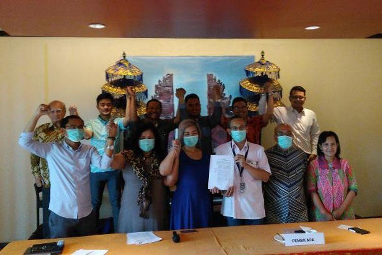 Konfrensi Pers Komisi Nasional Pengendalian Tembakau atas Putusan Mahkamah Agung terhadap Permenperin 63 Tahun 2015 tentang Roadmap Industri Rokok di Jakarta, Selasa (13/12/2016).