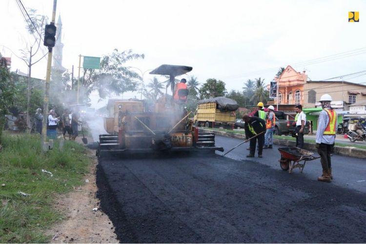 Tahun 2020 penggunaan Asbuton dilakukan pada jalan sepanjang 793 kilometer yang tersebar di 25 provinsi di Indonesia dengan volume kebutuhan sekitar 42.000 ton.