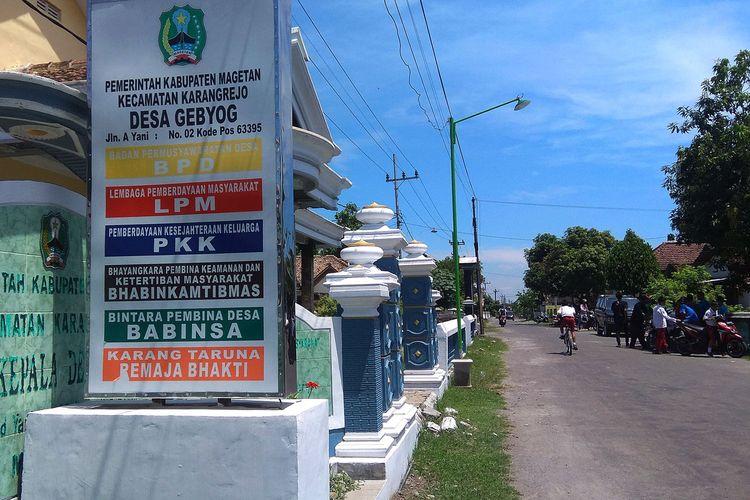 Kantor Desa Gebyog Kabuaten Magetan. Warga desa tersebut kesulitan mengurus dokumen kependudukan dengan adanya adanya pemekaran RT. Pemerintah Magetan memastikan melarang adanya pemekaran RT.