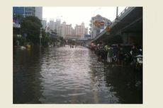 Saat Hujan, Pengemudi Diminta Waspada