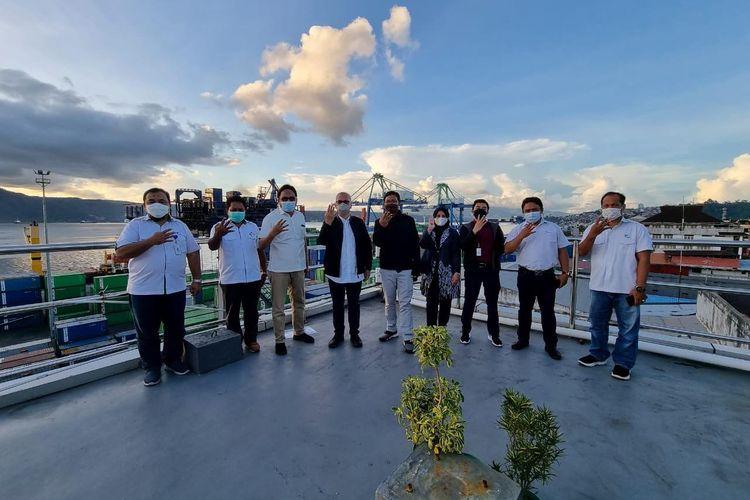 Tinjauan lokasi untuk rencana pembangunan Pelabuhan New Ambon sebagai penghubung antara Pelabuhan Yos Sudarso Ambon dan Pelauhan Perikanan Nusantara Ambon