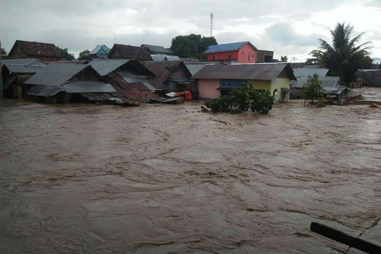 Banjir terjang 4 Kelurahan di Kabupaten Dompu, NTB pada Rabu (3/4/2019) sore pukul 17.00 WITA.