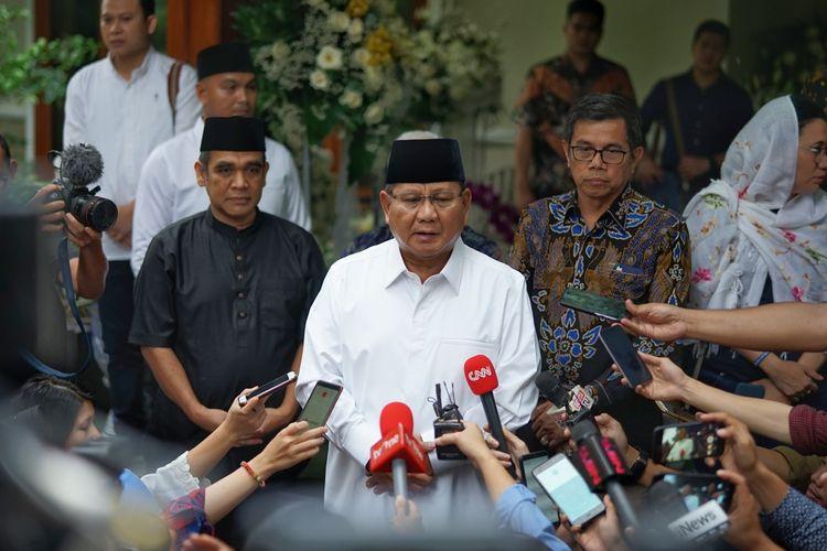 Calon presiden nomor urut 02 Prabowo Subianto meminta maaf kepada Presiden keenam RI Susilo Bambang Yudhoyono (SBY) karena baru sempat menyampaikan belasungkawa secara langsung atas wafatnya Kristiani Herrawati atau akrab disapa Ani Yudhoyono.  Prabowo menuturkan bahwa dirinya baru sempat menemui SBY setelah kembali dari Eropa. Hal itu ia sampaikan saat melayat ke kediaman SBY di Puri Cikeas, Bogor, Jawa Barat, Senin (3/6/2019).