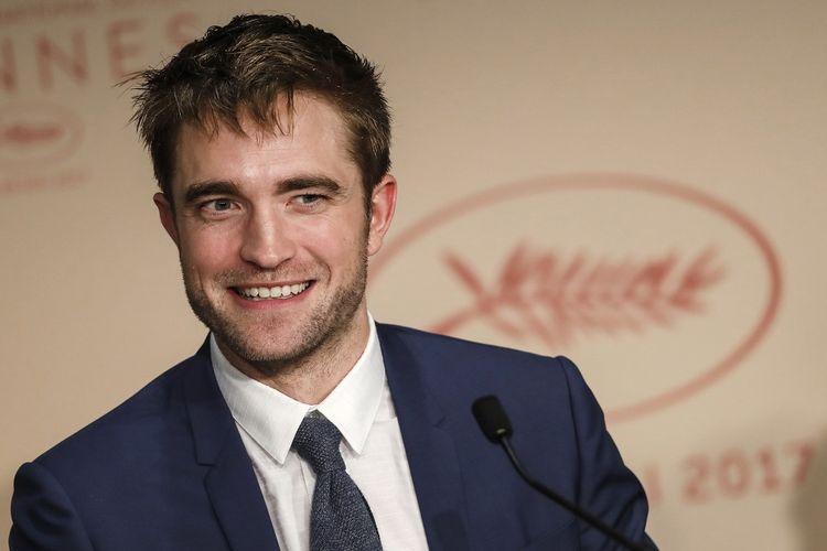 Aktor Inggris Robert Pattinson menghadiri konferensi pers film Good Time di Festival Film Cannes, Perancis, Kamis (25/5/2017).