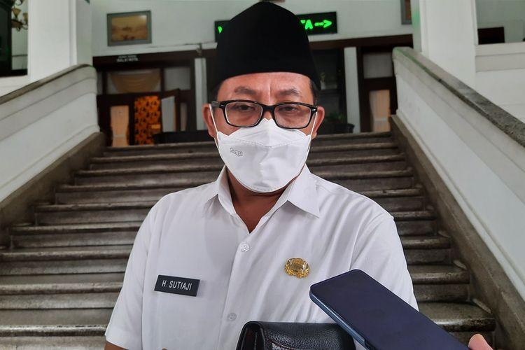 Wali Kota Malang, Sutiaji saat diwawancara di Balai Kota Malang, Rabu (10/2/2021).