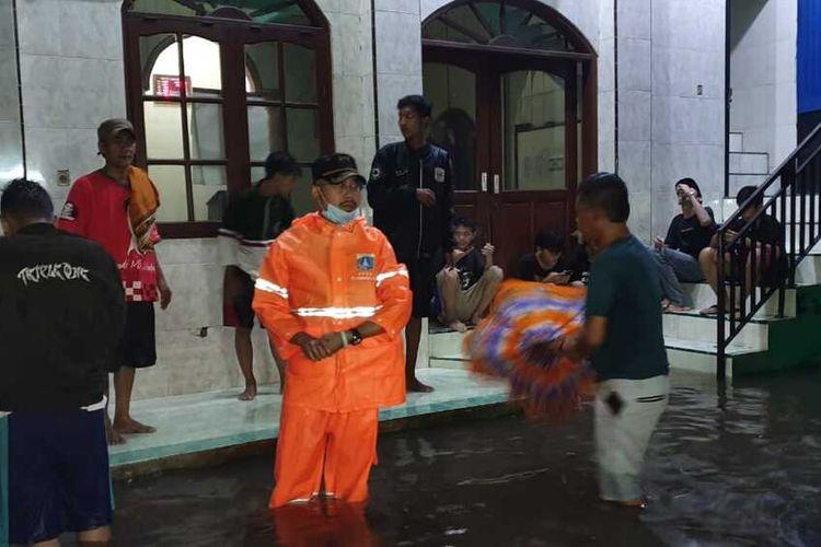 Banjir yang merendam RW 004 Kembangan Utara, Kembangan, Jakarta Barat