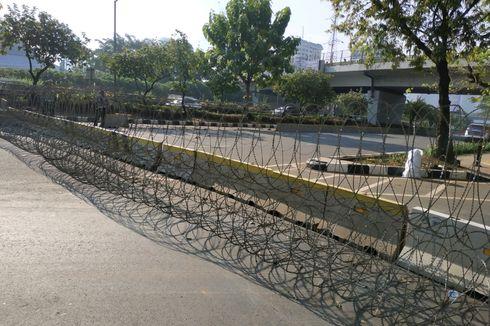 Jalan Gatot Subroto di Depan DPR Ditutup, Ini Pengalihan Lalinnya