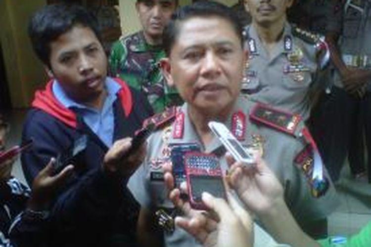 Kapolda Jawa Timur Irjen Polisi Unggung Cahyono saat berkunjung ke Polres Kediri Kota, Kediri, Jawa Timur, Kamis (15/8/2013).