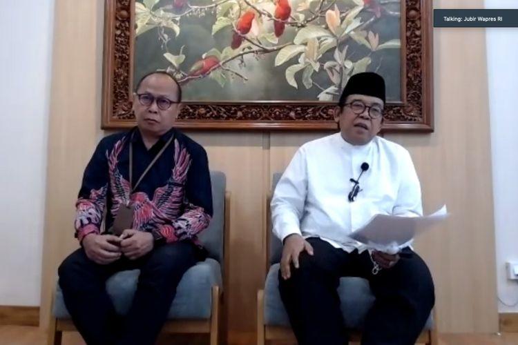 Juru Bicara Wakil Presiden Masduki Baidlowi (kemeja putih) saat melayani wawancara wartawan RI 2 secara virtual, Jumat (6/11/2020).