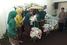 Siraman Putri Sulung Gubernur Khofifah Gunakan Campuran Air Zamzam