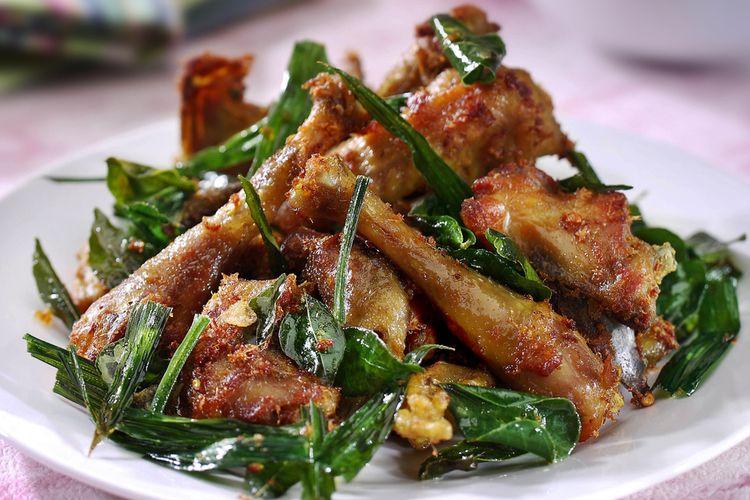 Ilustrasi ayam tangkap, kuliner khas Aceh berupa ayam digoreng dengan berbagai rempah.