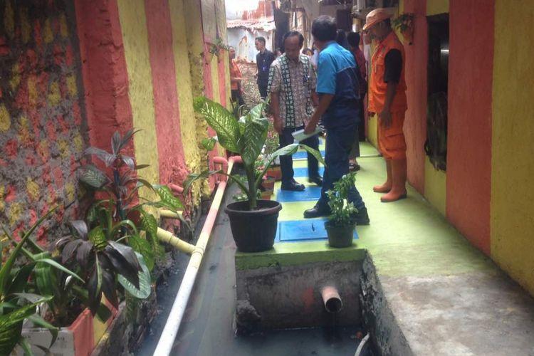 Salah satu jenis tangki septik yakni Instalasi Pengolahan Air Limbah (IPAL) komunal yang telah terpasang di kawasan Duri Utara, Tambora, Jakarta Barat, Jumat (26/5/2017).