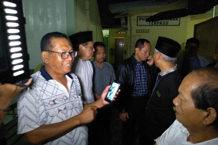 Kapolsek Kutalimbaru, AKP Bitler Sitanggang saat berada di RS Bhayangkara Medan, Jumat malam (29/11/2019). Menurutnya, saat ditemukan kondisi korban berada di kursi nomor dua, tepatnya di belakang kursi sopir.